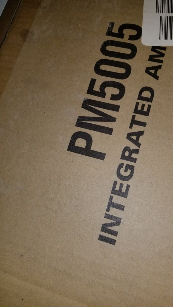 Marantz PM5005 like new open box demo unit hot !