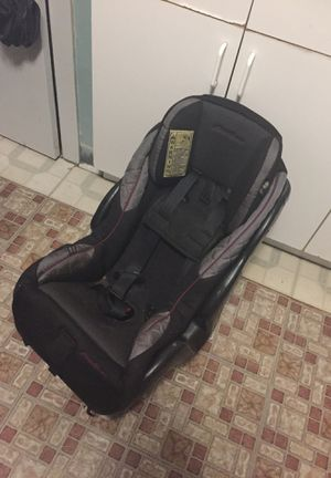 Car seat baby and toddler for Sale in Chicago, IL