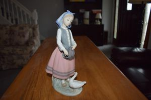 Lladro Figurine. Josefa Feeding Duck. REDUCED PRICE for Sale in Pittsburgh, PA