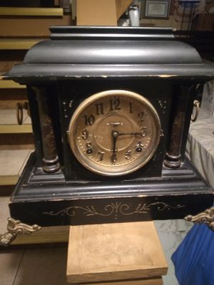 ANTIQUE 1900's F&S MANTLE CLOCK for Sale in Garfield Heights, OH