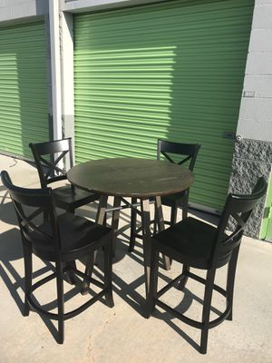 CRATE & BARREL WOOD DINING TABLE WITH 4 CHAIR for Sale in Lake Forest, CA