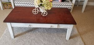 Coffee table and two end tables for Sale in Smyrna, TN