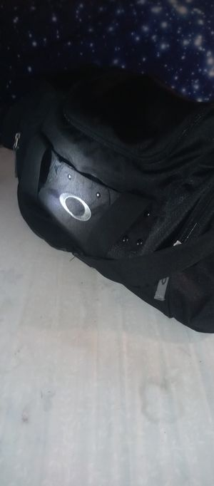 Oakley duffle bag for Sale in Uniontown, OH