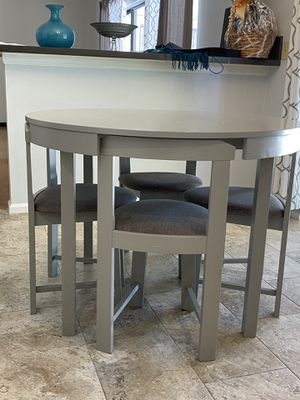 Breakfast kitchen table and chairs for Sale in Boca Raton, FL