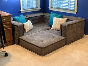 Pottery Barn Teen Lounge Corner for Sale in New Canaan, CT