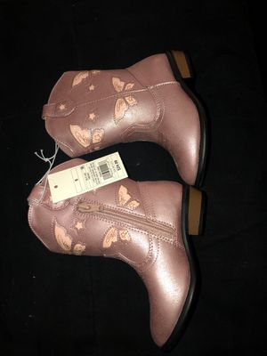 Toddler girl pink boots size 8 for Sale in Albuquerque, NM