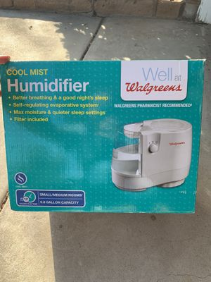 Cool mist humidifier for Sale in Fresno, CA