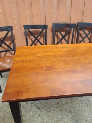 Table and Chairs $15.00 cash only (serious buyers only) for Sale in Dallas, TX