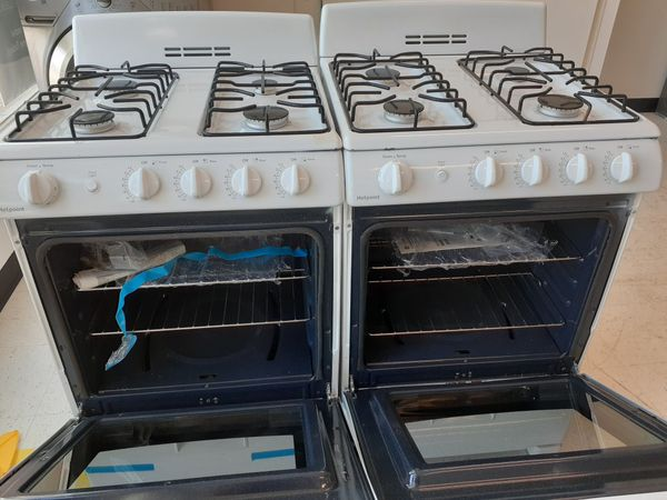 Hotpoint gas stove 24 new scratch and dent with 6 month's warranty
