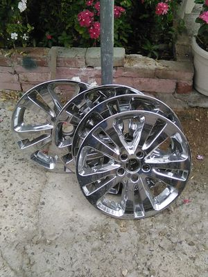 Nice set of 17 inch hubs no cracks just need a little polishing for Sale in Highland, CA