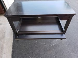 Beautiful Solid Desk for Sale in Blacklick, OH