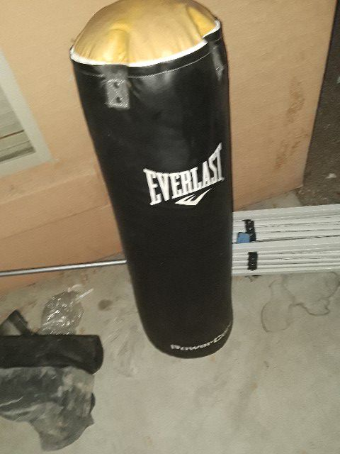 Everlast boxing stand