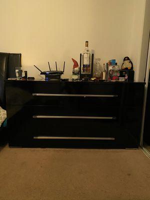 Black Dresser with attachable mirror for Sale in Newport Beach, CA
