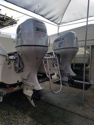 200hp Honda Outboard V-TEC for Sale in Indian Rocks Beach, FL