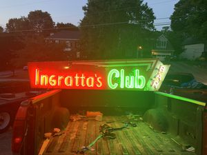 Antique Club & Bar Porcelain Neon Sign Ultimate Ma