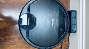 Ecovacs Deebot 2-in-1 sweeping and mopping vacuum for Sale in Warren, OH