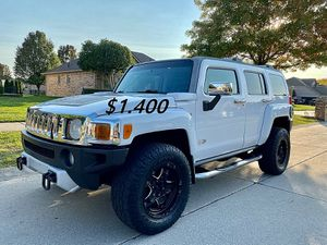 👑📗$14OO URGENT I sell my family car 2009 Hummer H3 📗Runs and drives great. for Sale in Chesapeake, VA