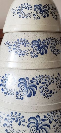 4 Vintage Pyrex Mixing Bowls for Sale in Los Angeles,  CA