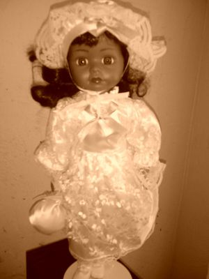 Antique Porcelain doll for Sale in Columbus, OH