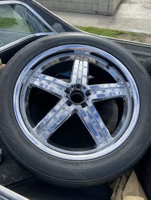 285/45R22 22 inch ford rims with tires 5 lug pattern for Sale in Santa Ana, CA