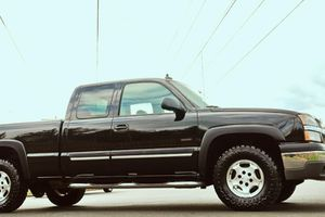GOOD CONDITION FOR THIS YEAR 2003 CHEVY SILVERADO for Sale in St. Louis, MO