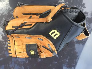 "Wilson A360 13"" baseball - softball right hand throw glove for Sale in Federal Way, WA"