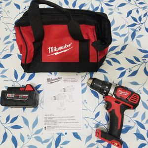 Milwaukee M18 18-Volt Cordless 1/2 in. Drill Driver (W/ Small Bag & 3.0 Battery) for Sale in The Bronx, NY
