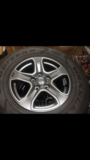 BRAND NEW SET OF JEEP WHEELS for Sale in Auburn, CA