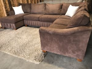 STANTON SECTIONAL COUCH (free delivery) for Sale in Gladstone, OR