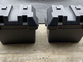 Camco 55363 Standard Battery Boxes (2) - Group 24,Regular for Sale in Leesburg,  VA