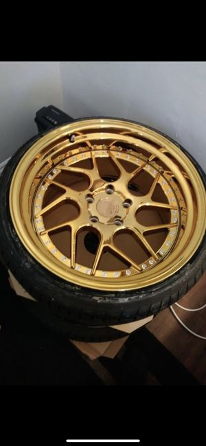 New gold rims n tires for Sale in Lynwood, CA