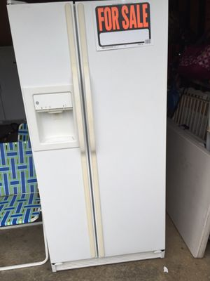 GE refrigerator for Sale in Rock Hill, SC