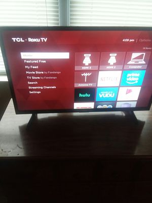 TCL (ROKU built in)32inch Smart Tv for Sale in Harpursville, NY
