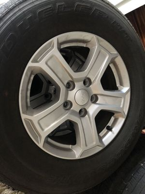 Full set of (5) 2018 Jeep Wrangler JL alloy wheels and tires (5). for Sale in Canonsburg, PA