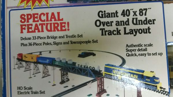 tyco rail master 102 giant 102 piece train set for Sale in Cincinnati, OH -  OfferUp
