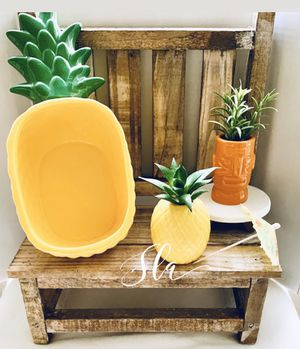 Ceramic Pineapple Dish And Decor Set for Sale in Tampa, FL