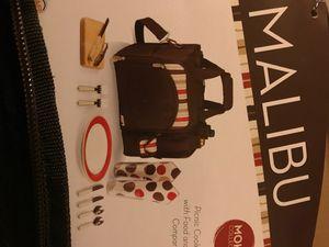Malibu cooler picnic tote brand mew im box for Sale in Brooklyn, NY
