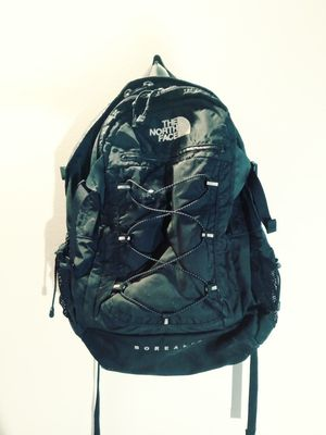 Black north face borealis backpack for Sale in Bellevue, WA