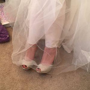 Sweet 16 👗 —wedding dress 👗 size 3 sealed in box for Sale in Virginia Beach, VA