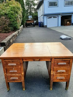 Desk for Sale in Des Moines, WA