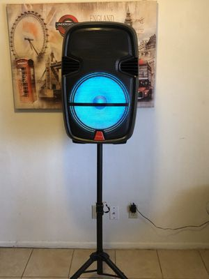 """15"""" rechargeable speaker w/ stand/guitar input for Sale in Phoenix, AZ"""