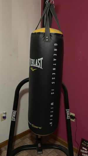 Punching bag w/ stand for Sale in Chandler, AZ