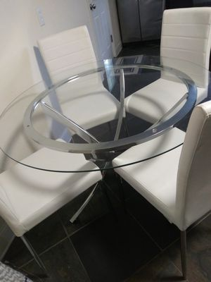 Glass Dinning Table for Sale in Dallas, TX