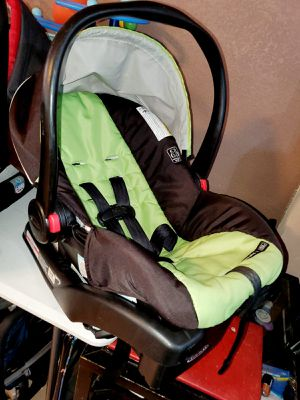 Graco Snugride 30 Infant Baby Carseat Car Seat With Base for Sale in Pasadena, TX
