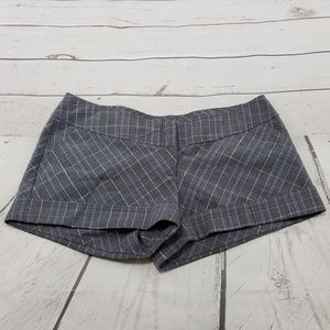 Wet Seal Shorts Size Medium Plaid Cuffed Measurements In Description for Sale in Los Angeles, CA