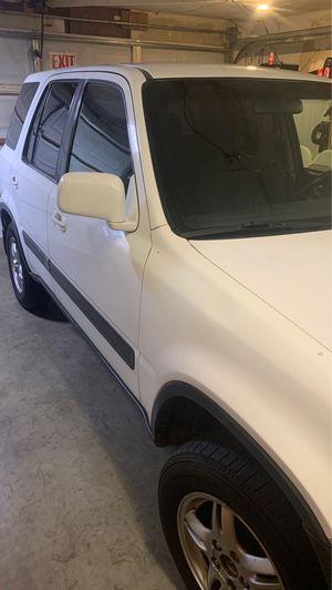 Esta muy buena es honda CRV 99 for Sale in Fairfield, CA