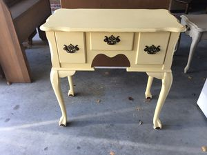Entryway table for Sale in Goldsboro, NC