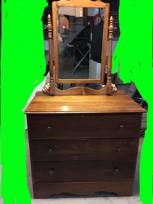 Wood dresser and matching mirror for Sale in Columbus, OH