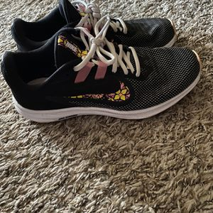 Nike Shoes 👟 Size 6 for Sale in Clifton, VA