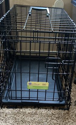 Small Puppy Crate 23L x14W x 16.125 H for Sale in San Ramon,  CA